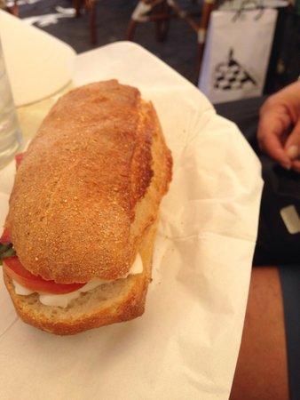 Bar Il Gabbiano : Capri sandwhich.