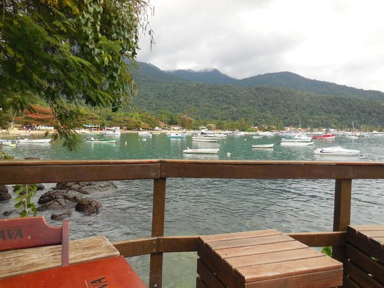 Che Lagarto Hostel Ilha Grande: view from the deck, outside of the lobby, where breakfast and dinner are served
