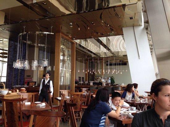 100 Century Avenue Restaurant: Restaurant