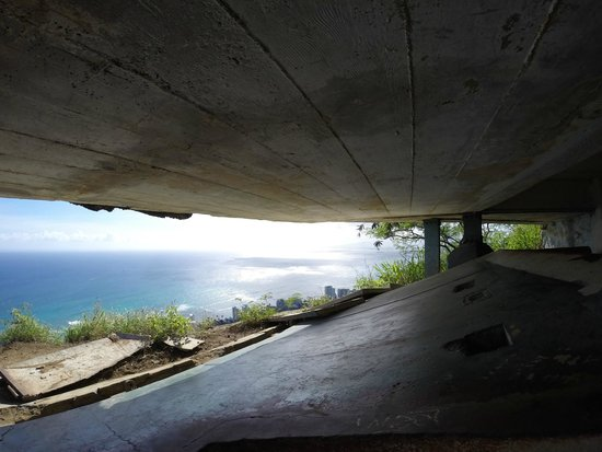 Diamond Head : View from one of the bunkers