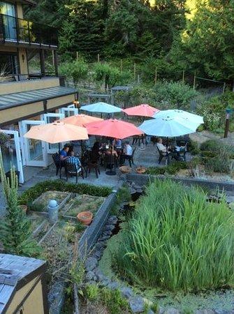 Restaurant at Oceanwood: outside terrace