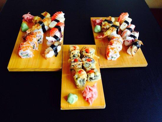 OH ! SUSHI BAR: Сашими и роллы со спайси гребешком. Вкусно )))