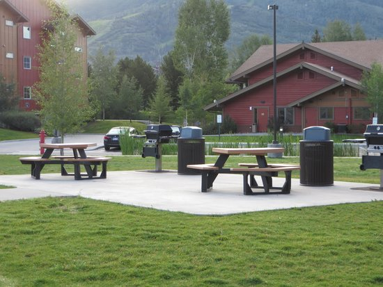 Wyndham Vacation Resorts Steamboat Springs: Picnic Area