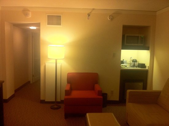 Embassy Suites by Hilton Tysons Corner: facing the hall