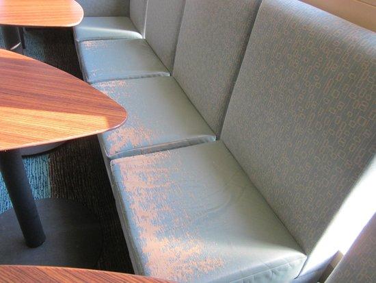 Residence Inn Lexington South/Hamburg Place: worn seating
