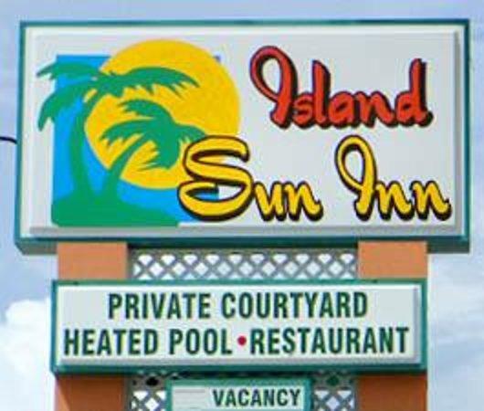 Island Sun Inn: Tamiami Trail marque