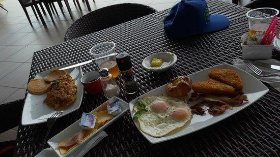 Nitro City Panama Action Sports Resort : breakfast