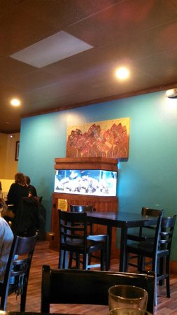 Woody's Thai Kitchen: Nice Saltwater Aquarium