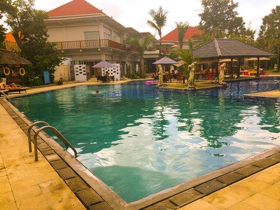 Puri Saron Seminyak : Pool