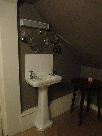 The Edinburgh Townhouse: banheiro compartilhado