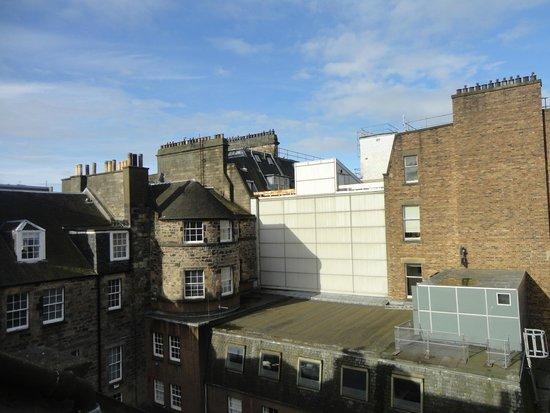 The Edinburgh Townhouse: Vista da janela do quarto