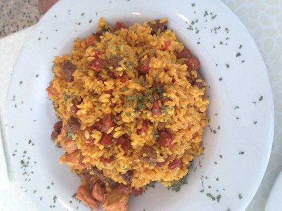 Kasavista: La mejor paella de churrasco, chorizo y pechuga.