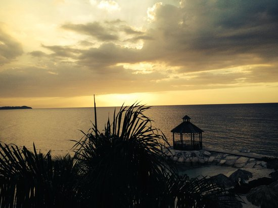 Secrets Wild Orchid Montego Bay: Sunset view from our balcony