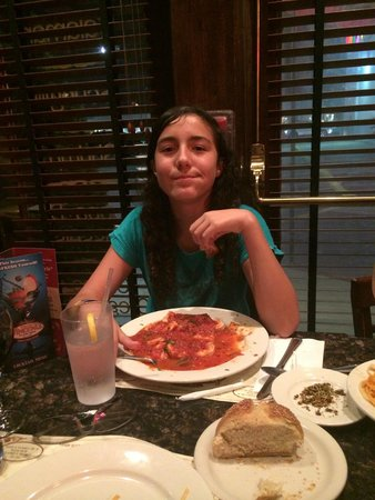 Vincent's Clam Bar: my daughter love it