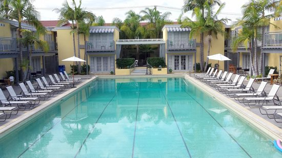 The Lafayette Hotel, Swim Club & Bungalows: piscina