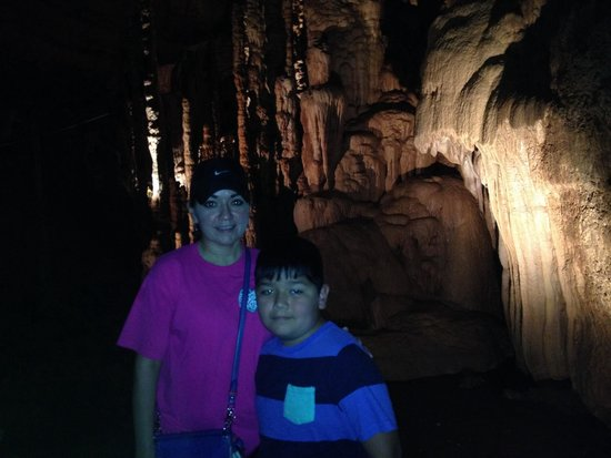 Natural Bridge Caverns: Fun exploring