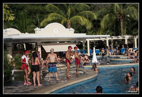 Hotel Riu Guanacaste : Pool Games