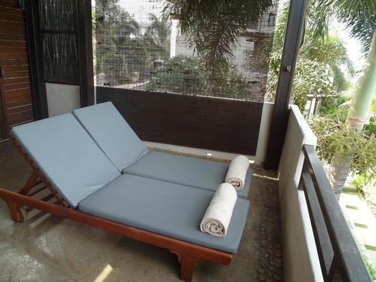Aleenta Resort Pranburi: Porch