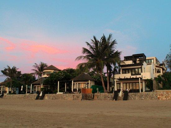 Aleenta Hua Hin Resort & Spa: Beach