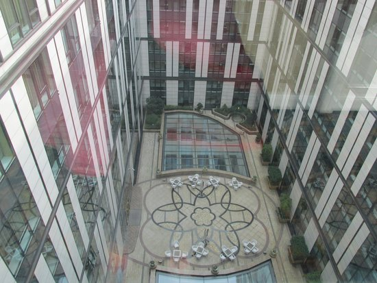 Grand Central Hotel Shanghai: looking down on the atrium