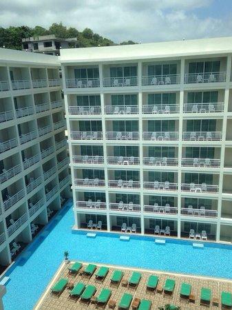 Chanalai Hillside Resort : สวยมากค่ะ อากาศดี ใกล้ภูเขา มองเห็นทะเล