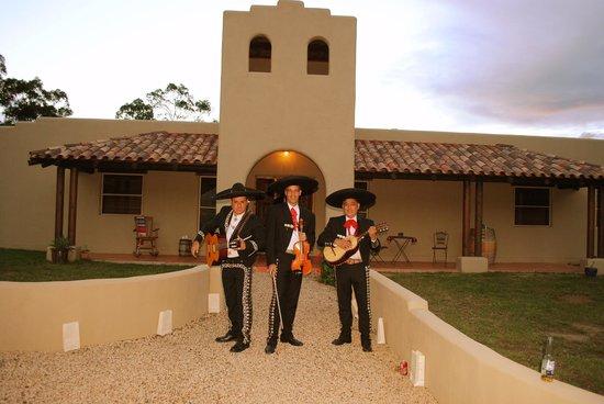 Casa La Vina: Mariachi trio