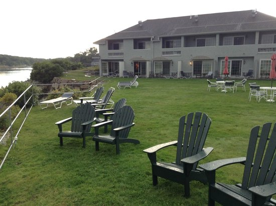 Stage Neck Inn: The ocean front rooms at the Inn (2nd and 3rd floors)