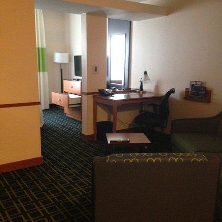 Fairfield Inn & Suites Santa Cruz - Capitola: Room 205: through sitting area to bed area