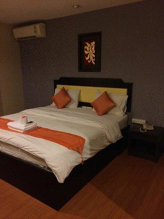 Lanna House : rock hard bed