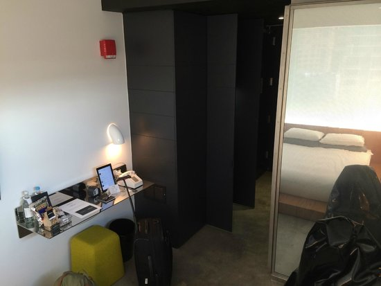 Hotel Americano: The desk area