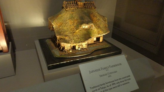 The Mini Time Machine Museum of Miniatures: Beautiful Little Farm House