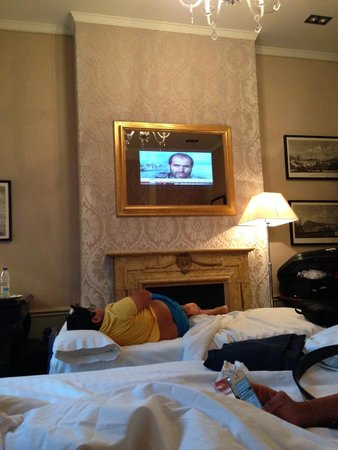El Palace Hotel: Its a Tv!