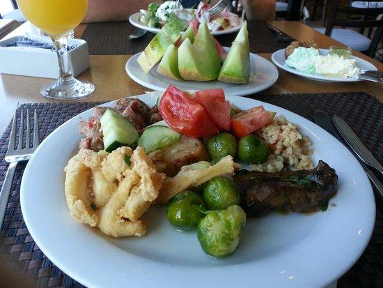 Arina Beach Hotel: Meal at the Restaurant