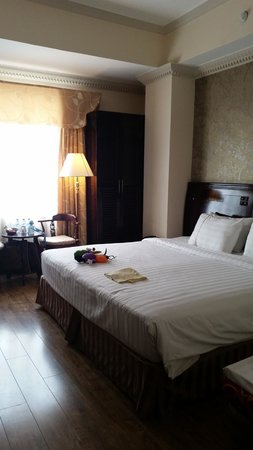 Golden Central Hotel: convert to double bed and additional single bed