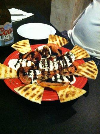 Scaffidi's Restaurant & Tavern : Caprese Salad