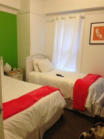 Edwardian San Francisco Hotel : beds