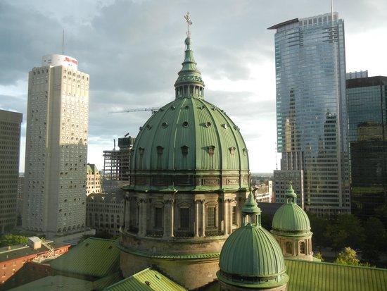 Fairmont The Queen Elizabeth : View from the Queen Elizabeth's 13th floor.