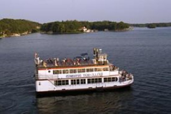 Belle of Hot Springs Riverboat: out on the water...
