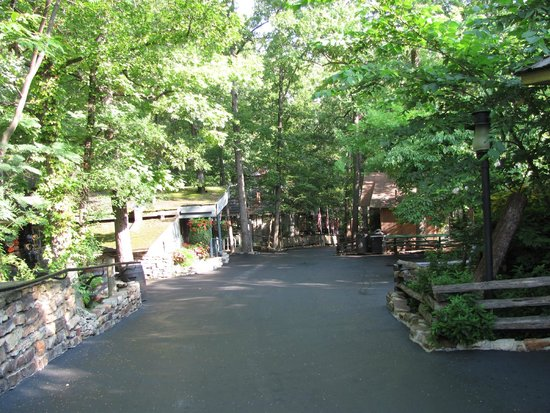 Silver Dollar City: Park before opening