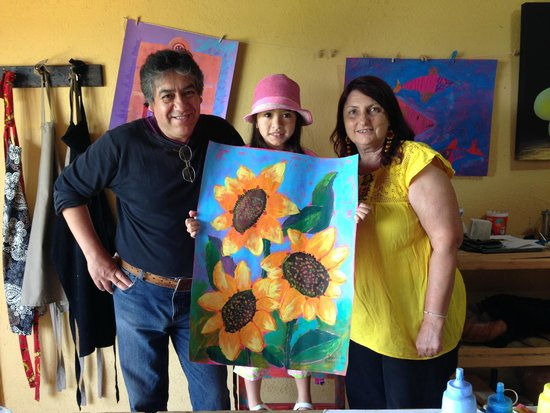 Cristi Fer Art Gallery and Workshops: Fernando, Bela & Cristiana w/ Bela's finished Painting