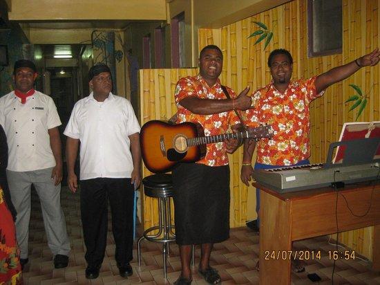 Nadi Bay Resort Hotel : Great music