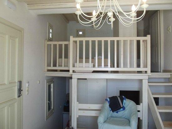 Aeolos Mykonos Hotel: Upgraded room