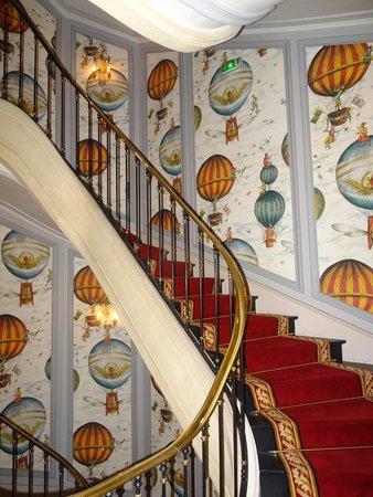 Saint James Paris - Relais et Châteaux: Staircase