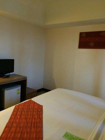 Maninarakorn Hotel : big room