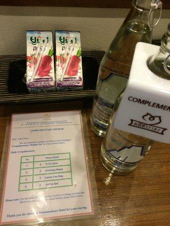 Maninarakorn Hotel : free juice