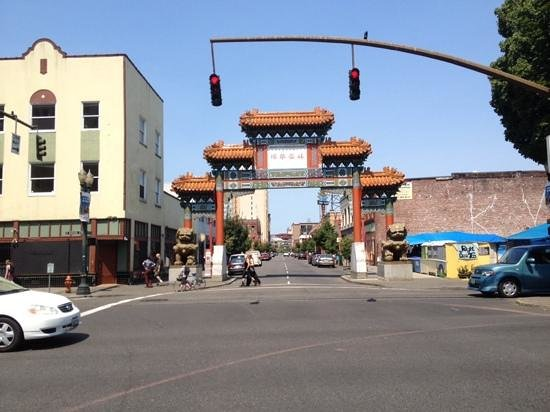 Pearl District: Entrance to China Town