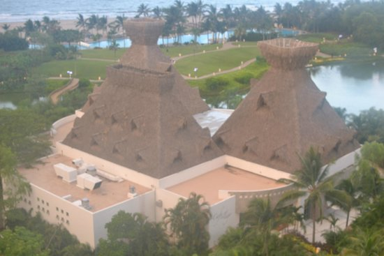 Grand Luxxe Nuevo Vallarta: This is where the buffet is located.