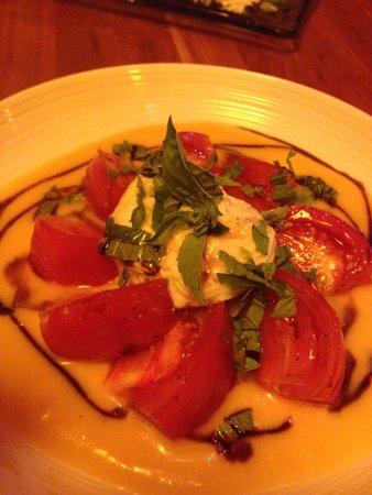 Jackson's Bar and Oven : Heirloom Tomato Salad