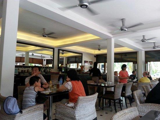 Sun Cafe : Un restaurant bien sympatique et personnel acceuillant