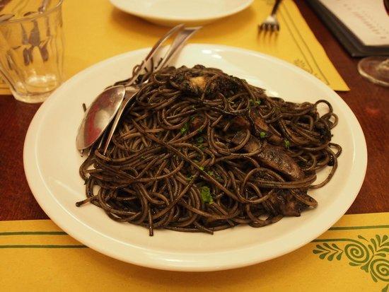 Osteria Ai Do Farai: Spaghetti al Nero di Seppie